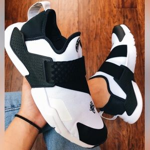 Nike Huarache Extreme New sz 8 black white